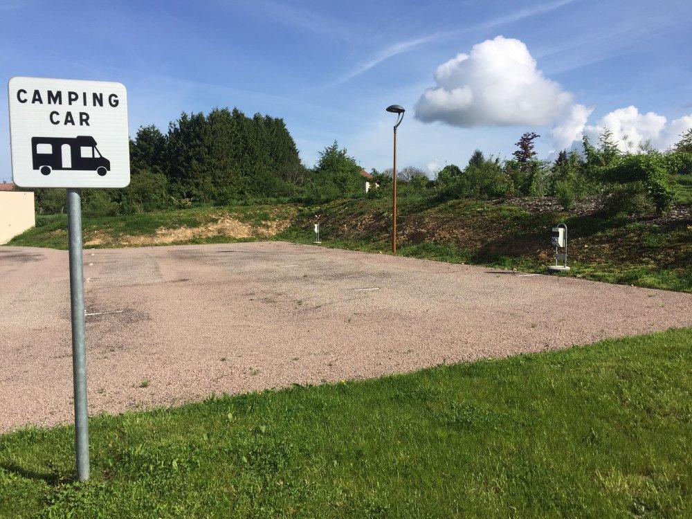 Aire camping-car à Xertigny (88220) - Photo 3